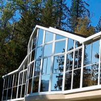 Остекление фасадов домов и зданий: выбор материала и дизайна
